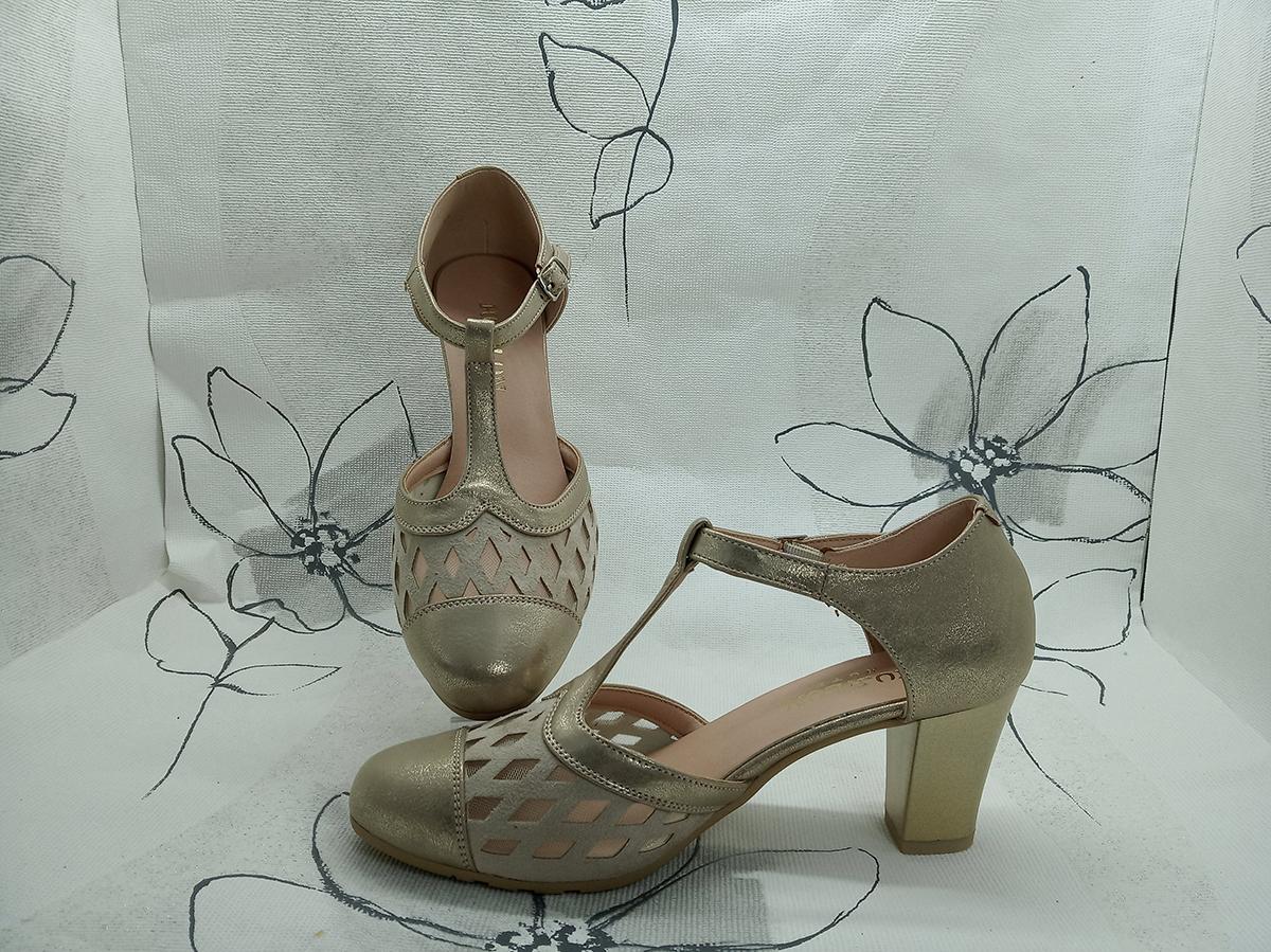 Zapato de tacon con rejilla y correa -Beige dorado