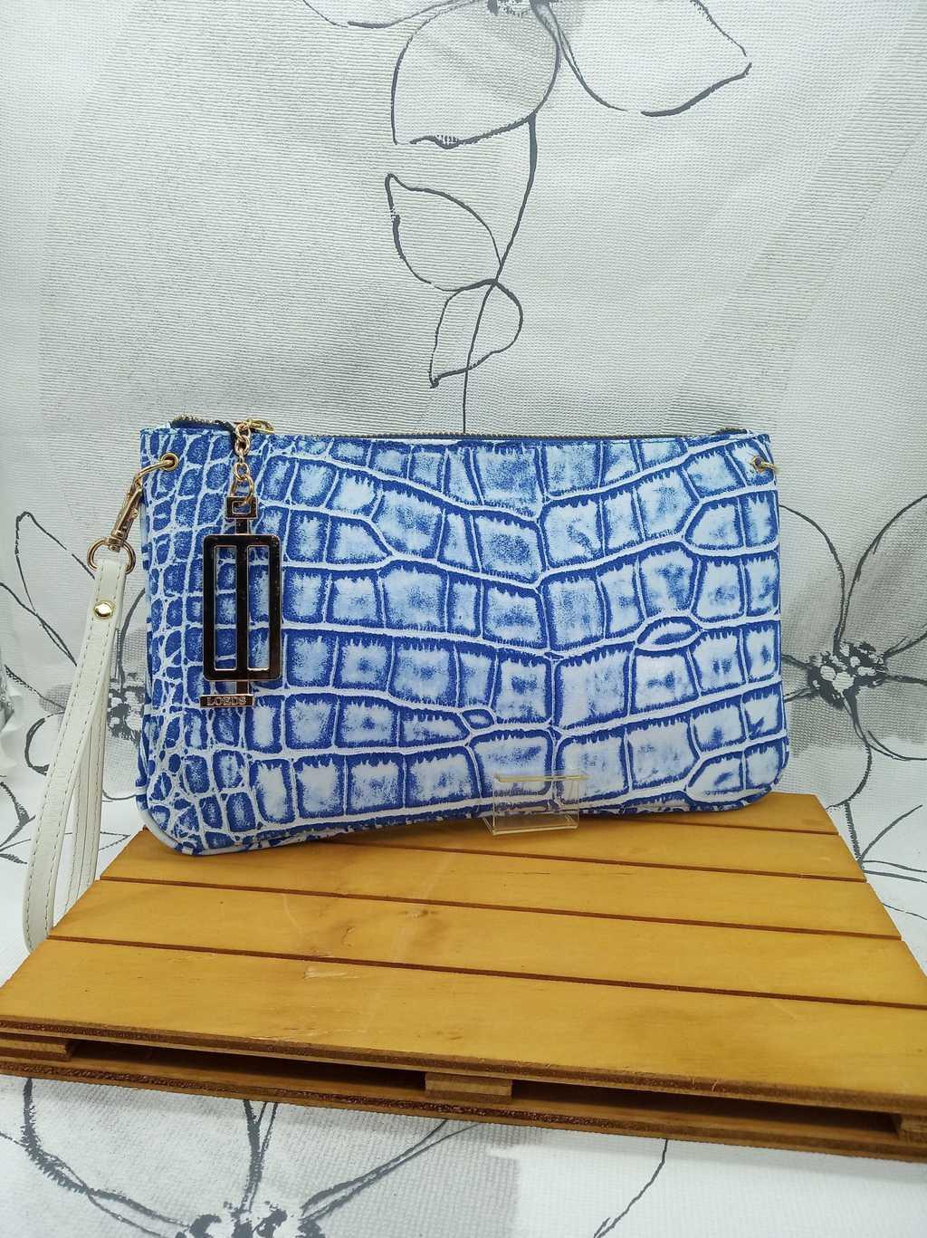 Bolso de mano en piel grabada coco azul-Marca Loeds