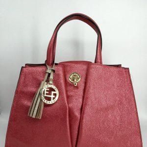 Bolso-rojo-muy-elegante