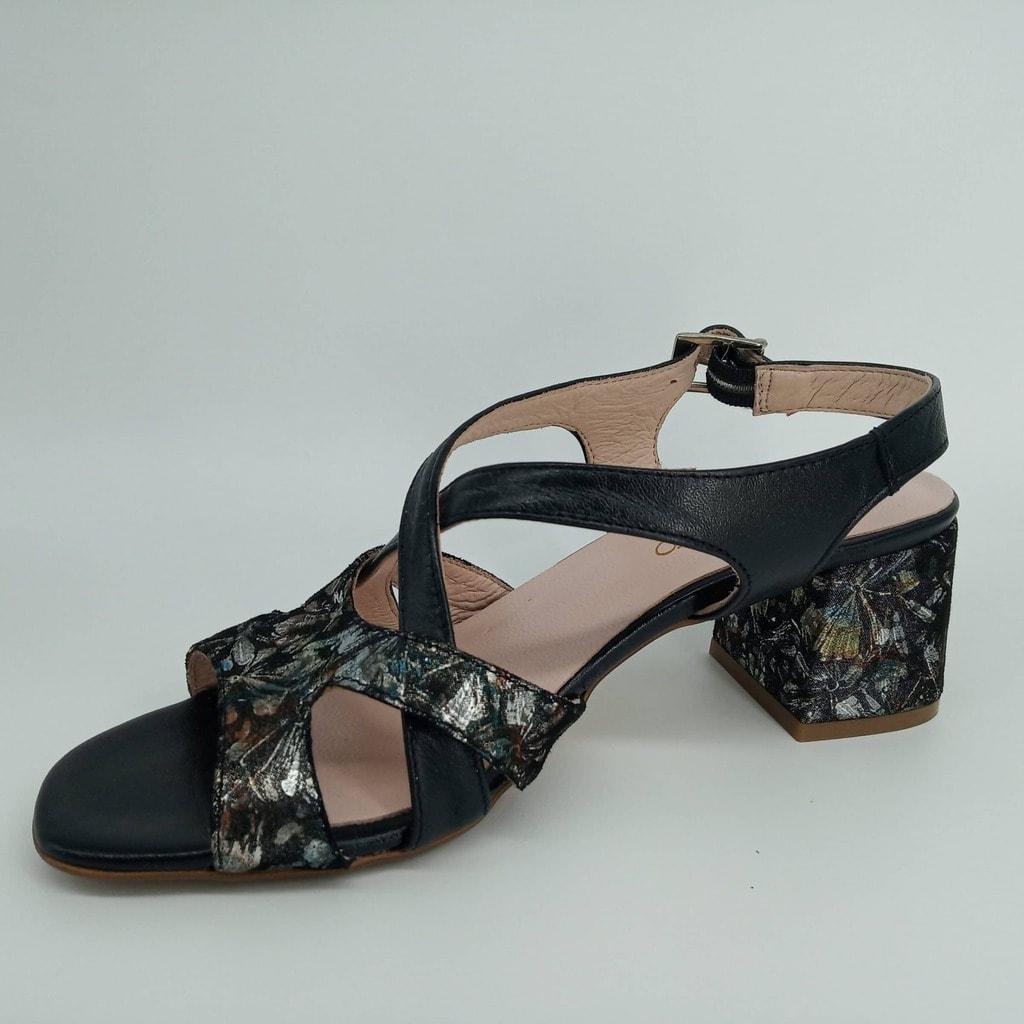 Sandalia de piel con tacon cuadrado medio - D,Alvaro -Talla 38