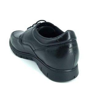 zapatos-negros-de-piel-para-hombre