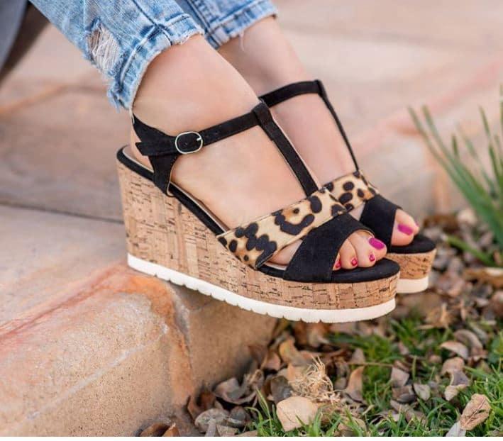 Sandalias con Cuña y Plataforma - Negra