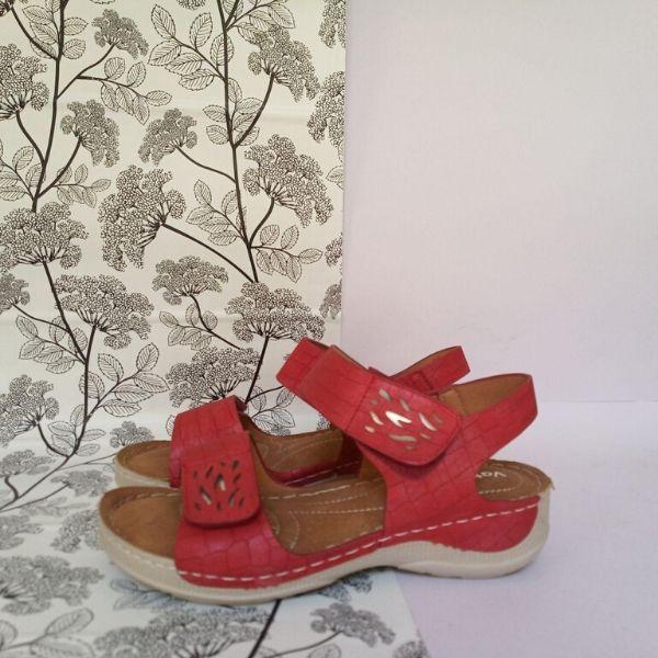 Sandalia Comodona Pies Delicados Rojo