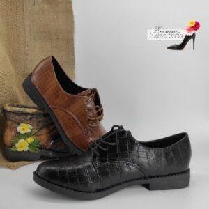 Zapato-plano-mujer-cordones-negro-camel
